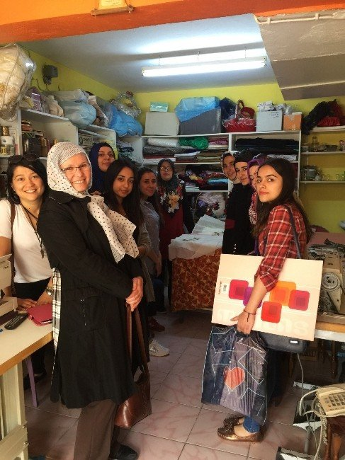 Gediz MYO Moda Tasarım Programı Öğrencileri Dikiş-nakış Atölyelerine Teknik Gezi Yaptı
