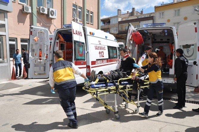 İki Otomobil Çarpıştı: 1 Ölü, 2 Yaralı