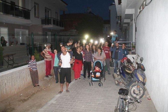 Elektrikleri Kesilen Vatandaşlar İsyan Etti