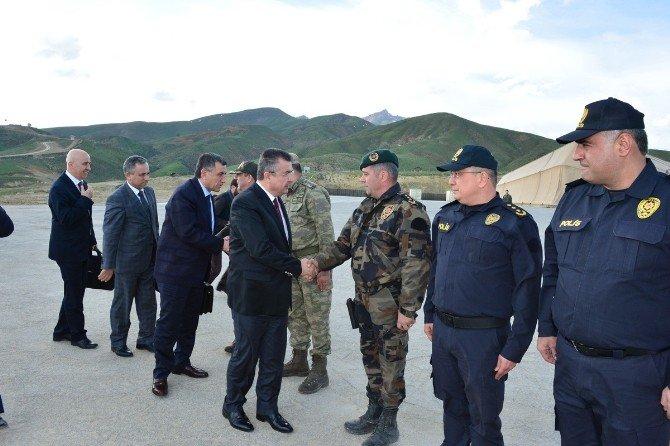 Emniyet Genel Müdürü Lekesiz,diyarbakır, Mardin, Cizre Ve İdil'in Ardından Yüksekova İlçesine Çalışma Ziyareti Gerçekleştirdi