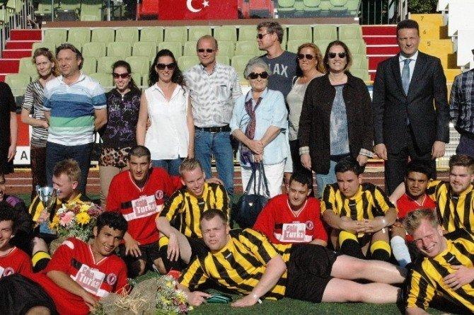 Engelleri Futbolla Aştılar