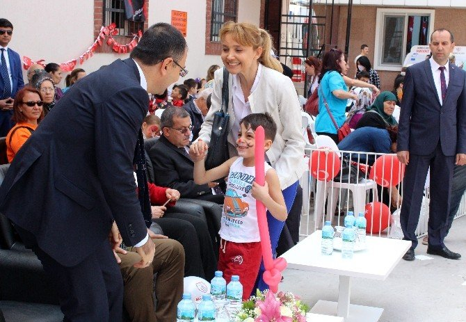 Darp Edilen Suriyeli Hasan'ın 23 Nisan Coşkusu