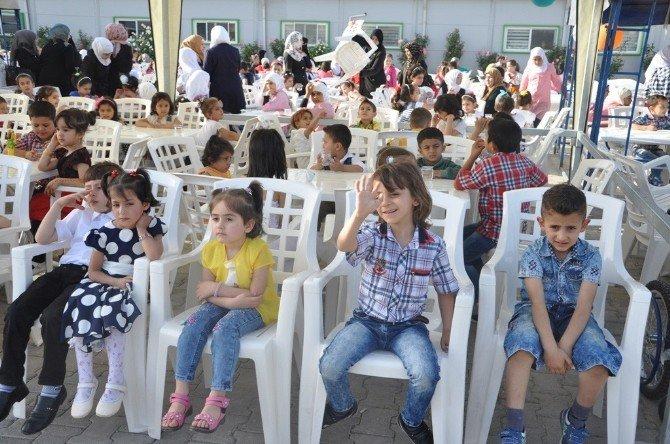 Suriyeli Yetimlere Moral Günü