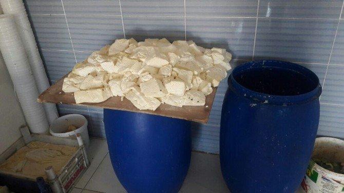 Reyhanlı'da 400 Kilo Süt Ve Süt Ürünü İmha Edildi