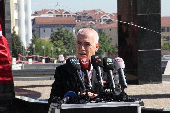 Nilüfer Belediyesi'nden Atatürk Anıtı