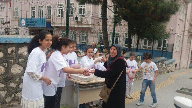 Bilecik'te İlkokulu Öğrencilerinden Kutlu Doğum Programı