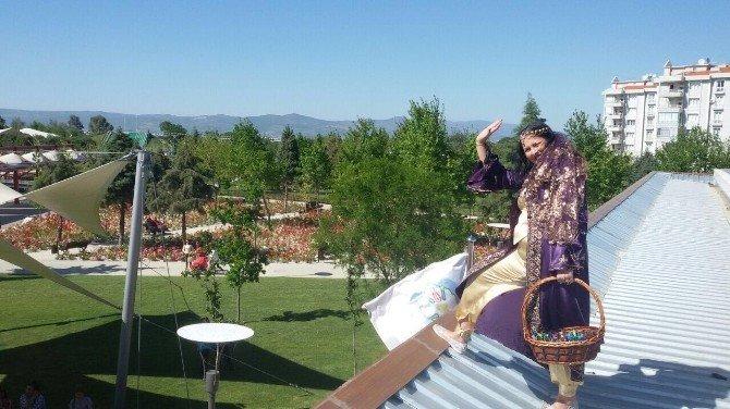 Manisa Büyükşehir'in Miniklerine Büyük Eğlence