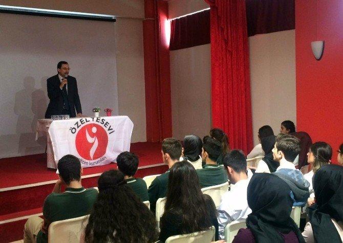 """İstanbul Kartal'da """"Hoca Ahmet Yesevi"""" Konferansı Yapıldı"""