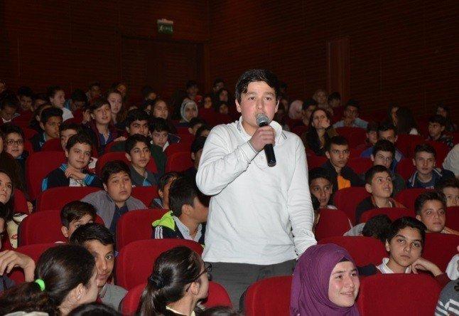 TEOG Sınavı Öncesi 8'inci Sınıf Öğrencilerine Seminer Verildi