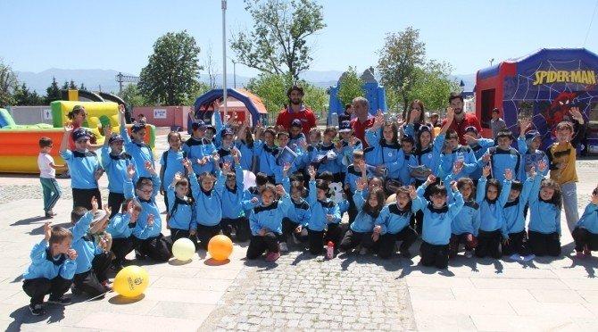 Spor Okulları, 23 Nisan Coşkusunu Yaşadı