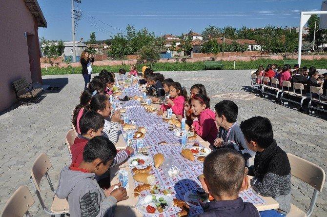 Köy Okulu Öğrencileri Trafik Dedektifi Oldu