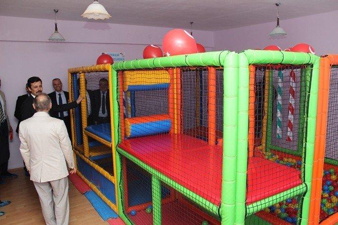 Çocuk Yuvasına Oyun Alanı Açıldı
