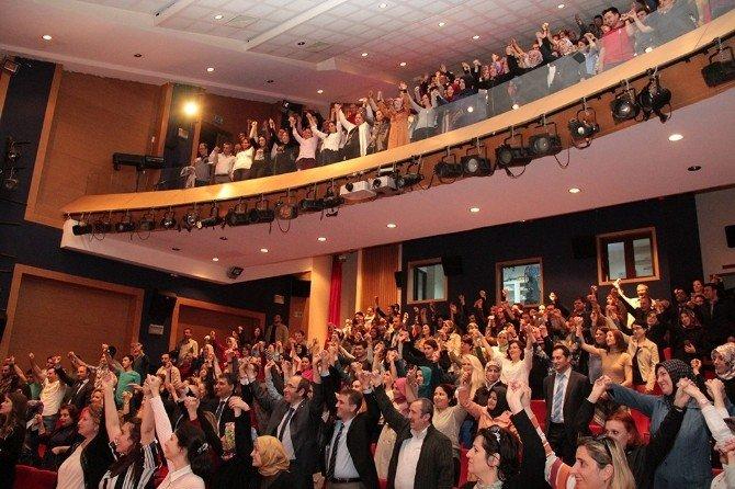 'TEK Kişi Çok Hikâye' Konulu Sağlık Konferansı AKM'de Gerçekleştirildi