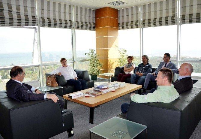 Tekirdağ Kızılay Şubesi'nden NKÜ Rektörü Şimşek'e Ziyaret