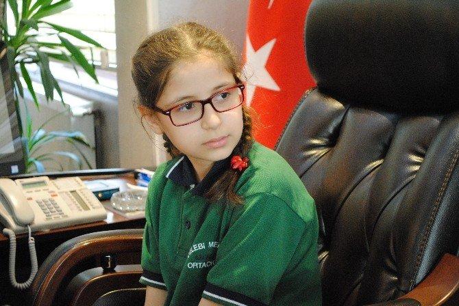 Temsili Başkan Okuluna 'Geri Dönüşüm Kutusu' İstedi