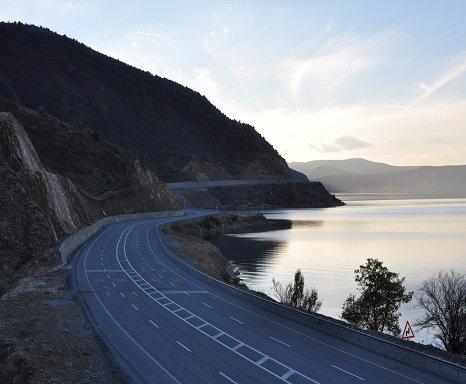 Bölünmüş yolda hamle, ağ 24 bin kilometreyi aştı