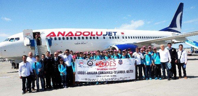 Vanlı Çocuklar Çanakkale'ye Uğurlandı