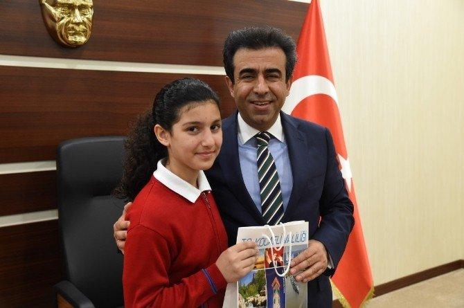 Vali Güzeloğlu, 23 Nisan Çocuklarını Ağırladı
