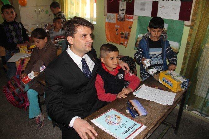 Kamu Çalışanlarından Köy Çocuklarına 23 Nisan Hediyesi