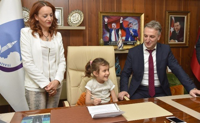 Başkanvekili Kadıoğlu Makamını Ecrin'e Teslim Etti
