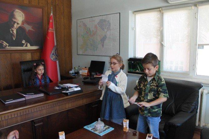 23 Nisan'da Çocuklardan Polislere Sürpriz