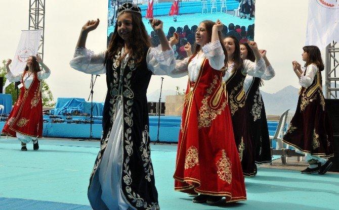 Antalya'da 23 Nisan Ulusal Egemenlik Ve Çocuk Bayramı Kutlamaları