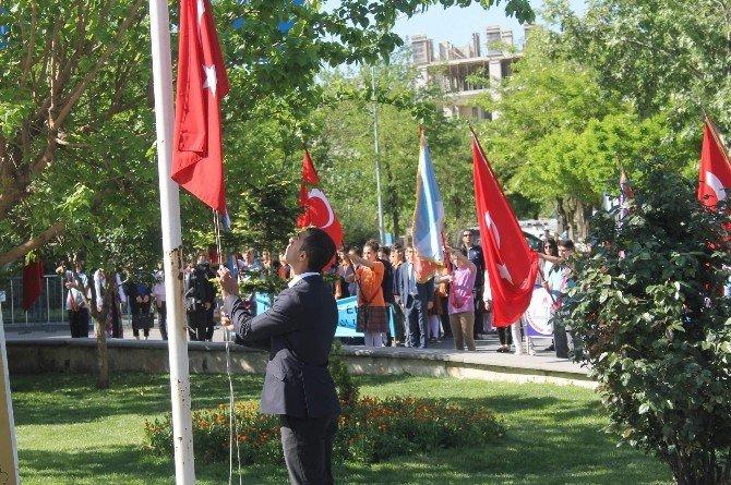 Siirt'te 23 Nisan Kutlamaları Yapıldı