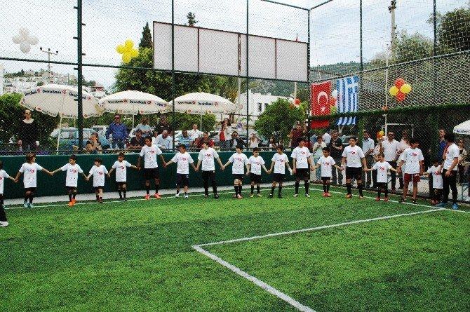 Yunan Çocuklarının 23 Nisan Coşkusu