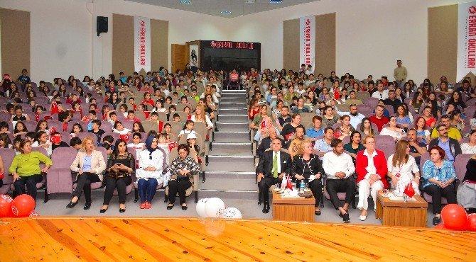 Erkan Koleji'nde 23 Nisan Coşkusu