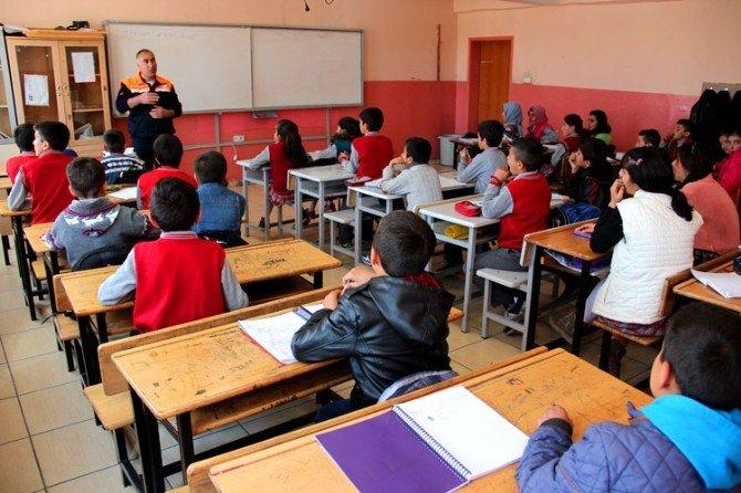 AFAD'ın Hizmet İçi Ve Okullara Yönelik Eğitim Faaliyetleri Devam Ediyor