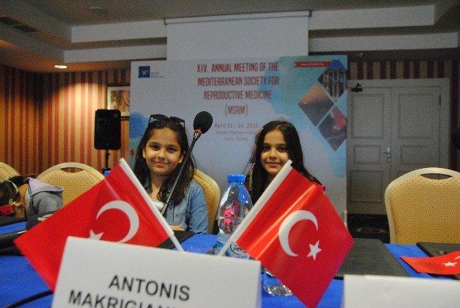 Yerli Ve Yabancı Bilim Adamlarından Türk Bayraklı Mesaj