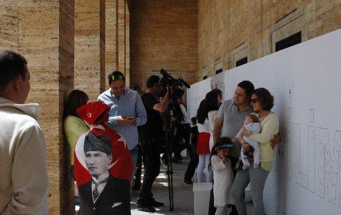 Küçük Ressamlar 2.kez Anıtkabir'de Dev Tuvalin Başına Geçti