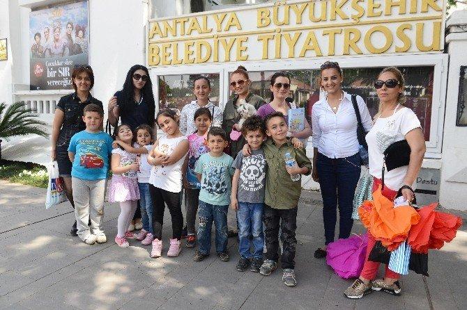 Aşt'den Çocuklara Bayram Hediyesi