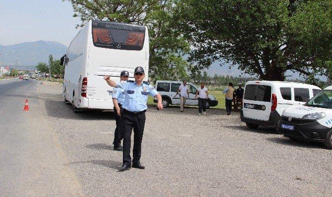 Gözaltına Alındığı Otobüse Bomba İhbarı Yaptı