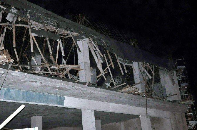Belediye İnşaatı Çöktü: 4 İşçi Yaralı