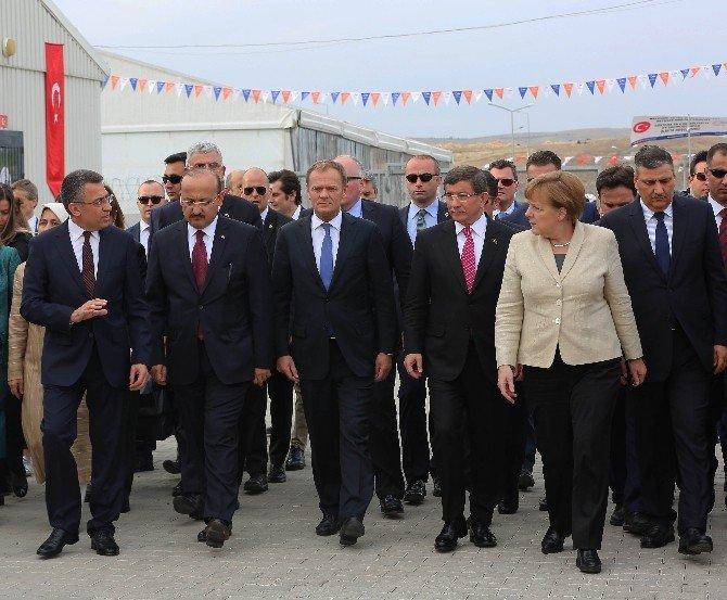 Başbakan Davutoğlu Ve Avrupalı Liderler, Nizip'te Suriyelilerle Buluştu