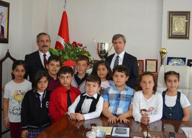 Minik Elif Adilcevaz Belediye Başkanı Oldu