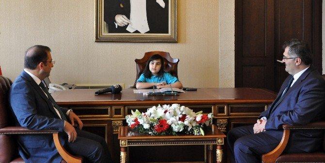 Antalya Valiliği Makamı 9 Yaşındaki Ceren'e Emanet