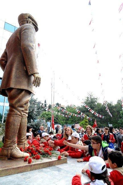Yeni Atarük Anıtı'nın Açılışını Öğrenciler Yaptı