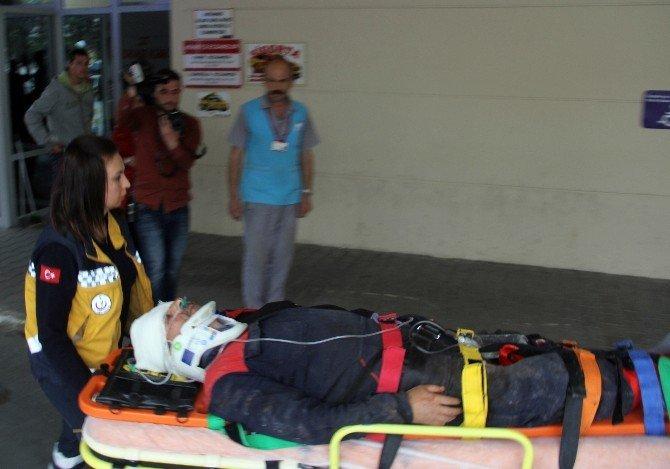 Tomrukların Altında Kalan Sürücü Yaralandı