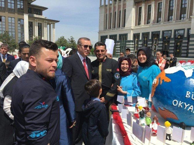 Bursa'dan Külliyeye Dünya Pastası