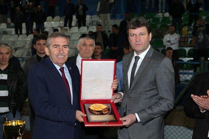 Büyükşehir Başkanlık Kupası'nın Sahibi Hendek Boğazspor Oldu