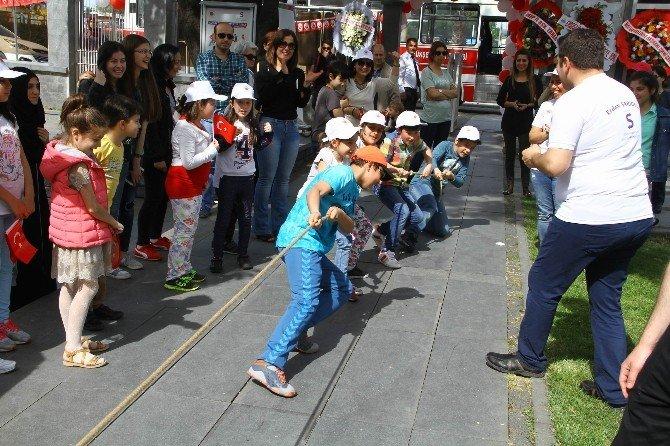 Çocuklar Unutulmaya Yüz Tutmuş Oyunları Oynadılar