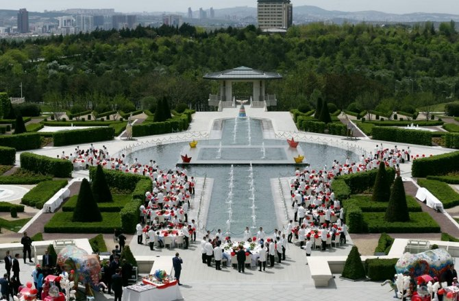Cumhurbaşkanı Erdoğan, Beştepe çocukları ağırladı