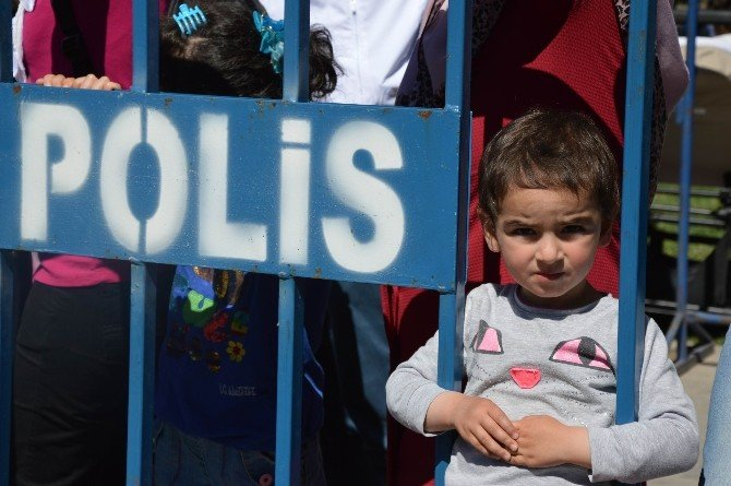 Diyarbakır'da 23 Nisan Kutlaması