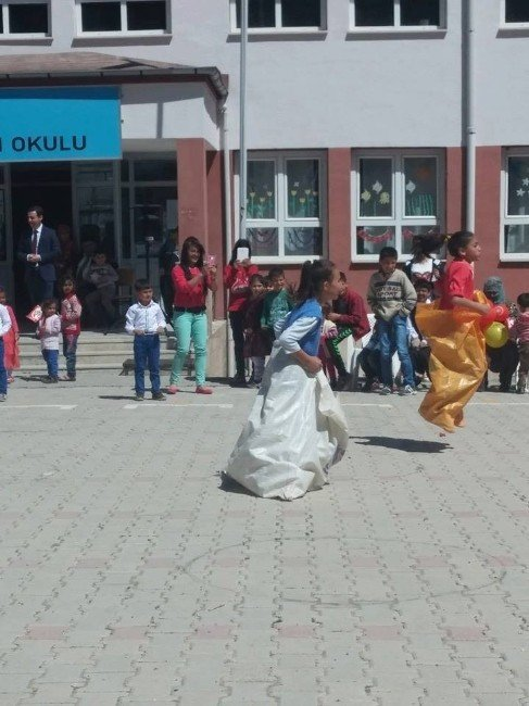 Doğanşehir Fındıklı İlköğretim Okulu'nda 23 Nisan Coskusu