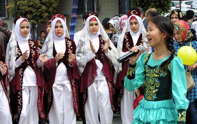 Esenler'de renkli 23 Nisan kutlaması