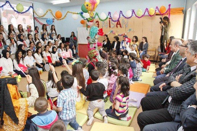 Sosyal Bilimler MYO'da Çocuk Şenliği Etkinliği