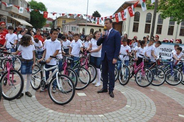 Gümüşçay Belediyesi Tarafından 44 Adet Bisiklet Dağıtıldı