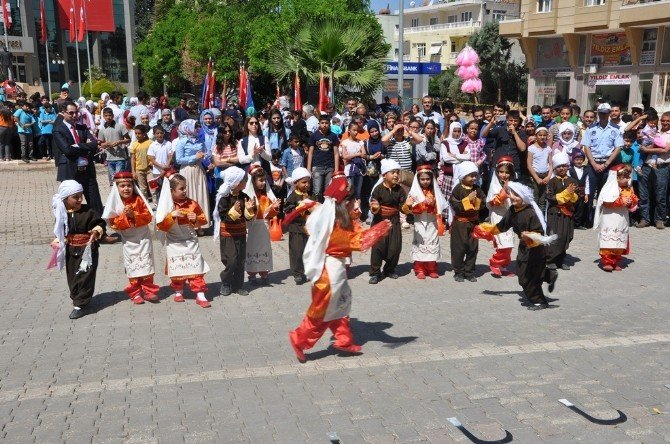 Reyhanlı'da 23 Nisan Coşkusu